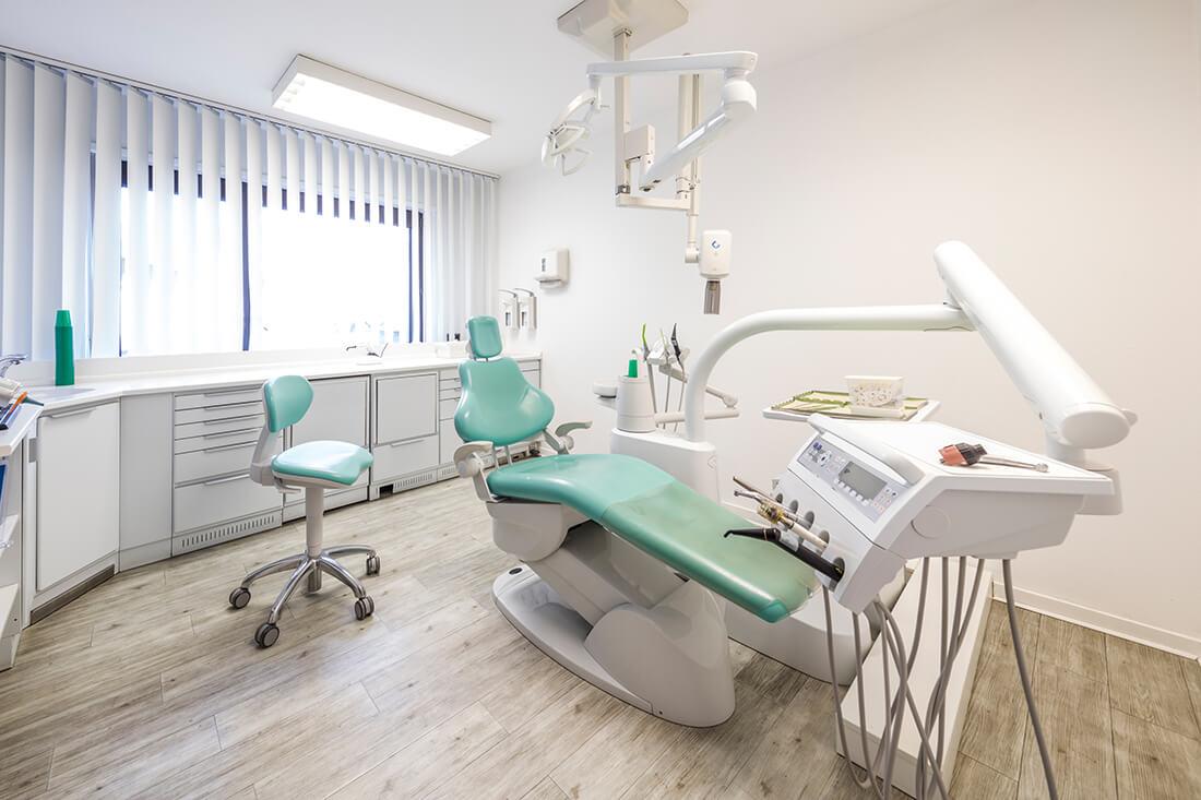 Zahnärztin Neuss - Sarem-Aslani - Behandlungsraum in unserer Praxis